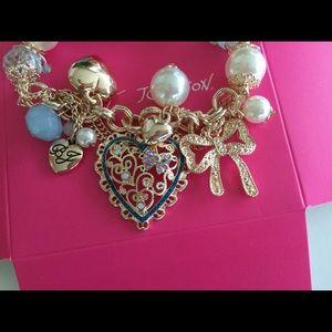 Betsey Johnson Jewelry - BETSEY JOHNSON Heart Charm Bracelet in box NWT